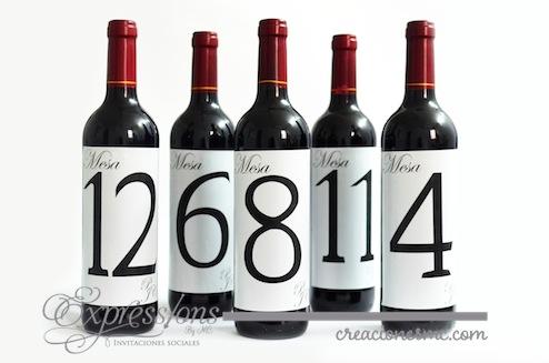 Número de mesa en botella de vino